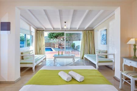 Elounda Eleon Suite with Seaview and  pr.Pool