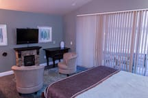 Wisconsin Dells Getaways Master Bedroom #408