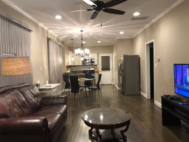 New 1 BR Suite with Free Parking