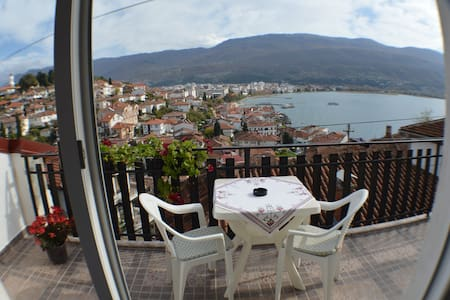 Martina apt.3 - Lake view apartment - Ohrid - Pis