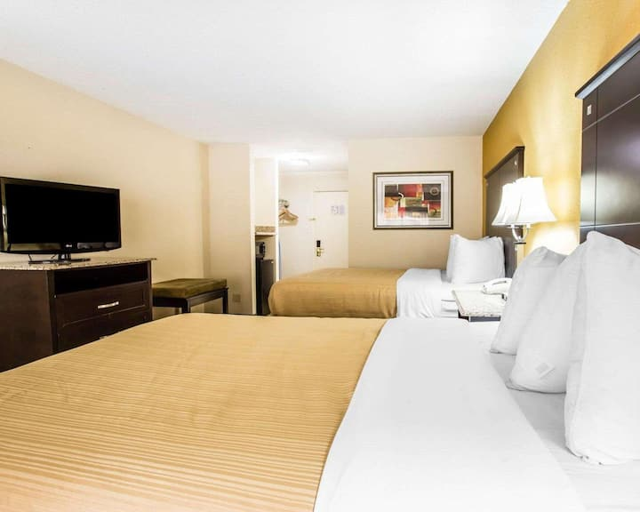 Heavenly Double Two Double Beds At Airport Area
