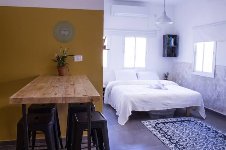 Rena's House Tel-Aviv q