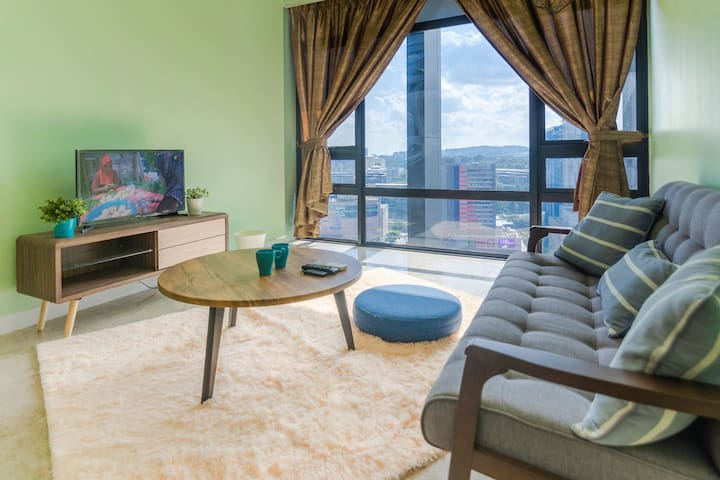 🌜High Floor Anggun Suite near KLCC w/ Parking🌜