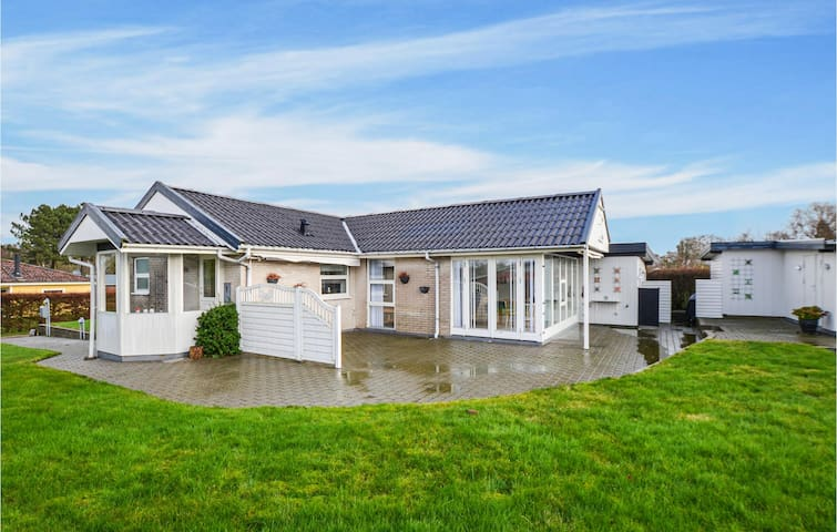 Holiday cottage with 2 bedrooms on 103m² in Nordborg