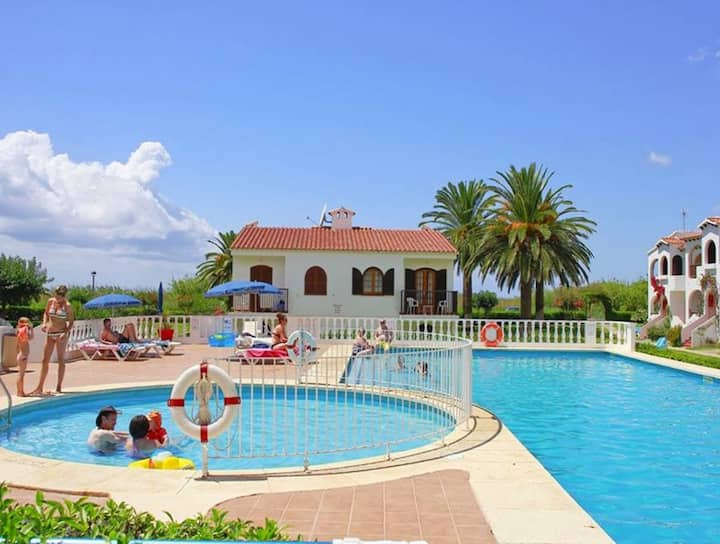 Apartment in Well Maintained Complex with Pool - Girasol Garden Superior 2 B