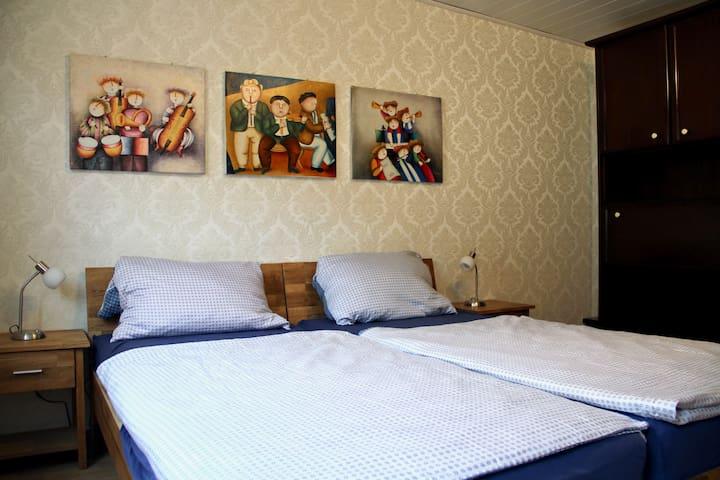 Zweibettzimmer 1. OG Ferienhaus/-zimmer Frickental