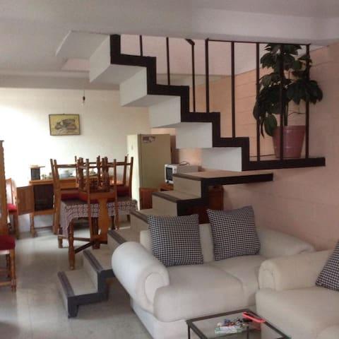 Casa amueblada en renta, zona de Jiutepec