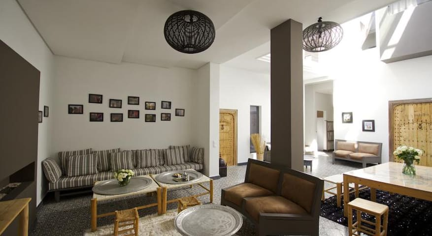 Luxury riad with jacuzzi From 450m to COP22 place