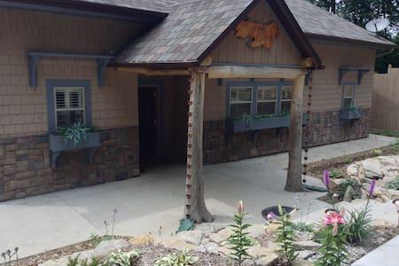 Luxurious Nauvoo Vacation Home