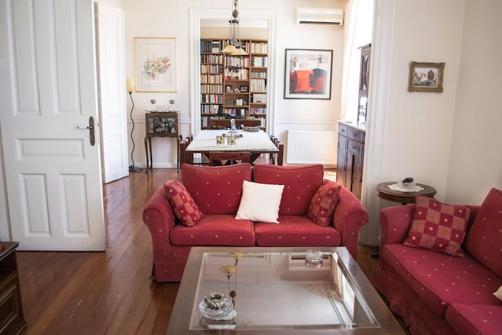 Victoria,Unique Neoclassical listed house145 sqm - Athina - Ev