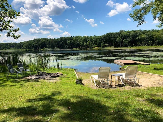 Rhinebeck Private Lake Front Home