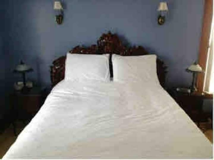 Chambre 2 lits avec salle de bain privée