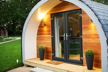 Pea Pod heated glamping in Suffolk
