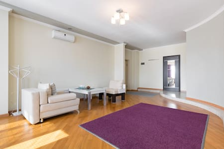 Apart. in center, near Republic sq. - Yerevan - Apartment