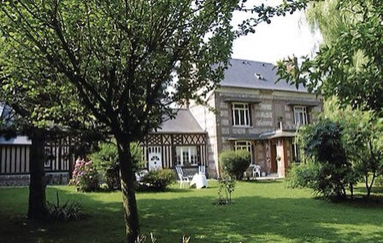 Chambres d'hôtes: Art BxB Hautot 76 - Hautot St Sulpice - ที่พักพร้อมอาหารเช้า