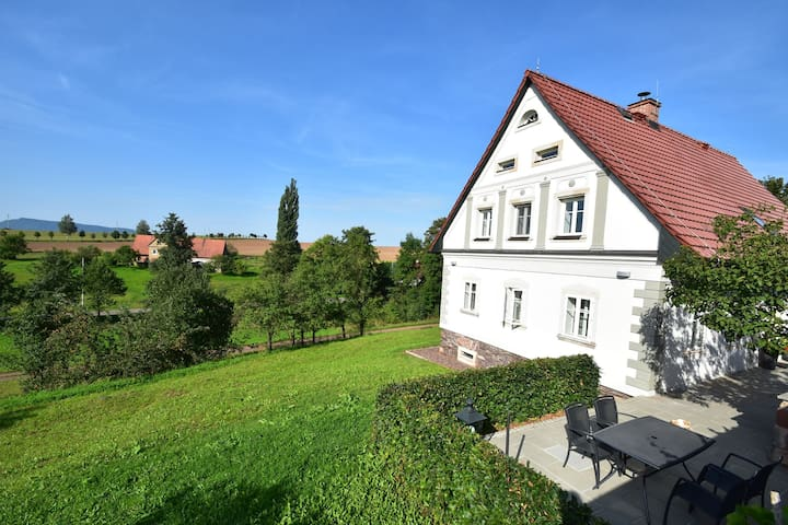 Comfortable, spacious and pleasant holiday home in historical building and beautiful surroundings