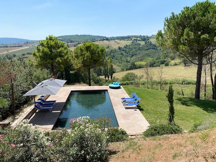 Huge, Spacious & Luxury Italian villa with pool