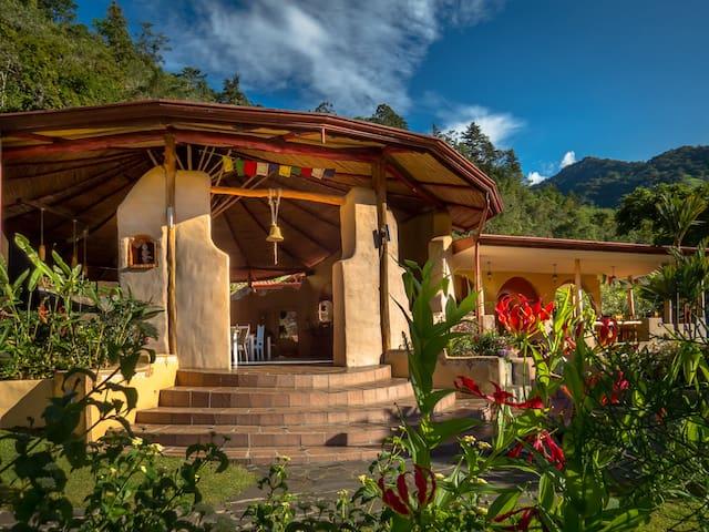Rio Chirripo Lodge  - Canaan de Rivas - Bed & Breakfast