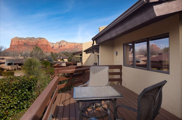 Quiet Red Rock Retreat with Views
