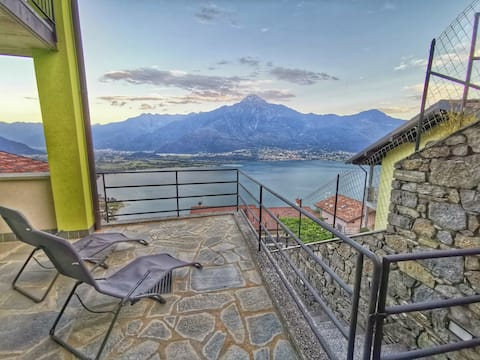 "Intima ""Casetta Pistacchio"" - stupenda vista lago"
