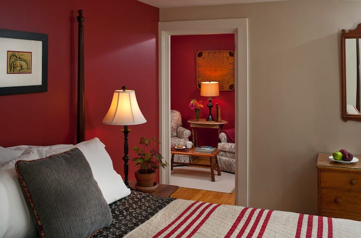 Pemaquid Point Suite - Newcastle Inn