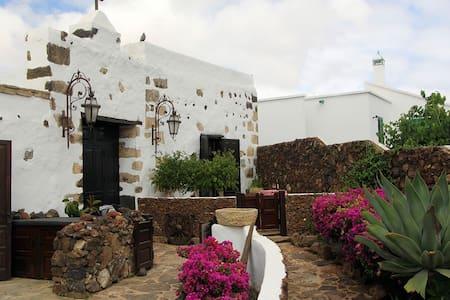 Rural Casita in Tiagua, Lanzarote - Apartamento
