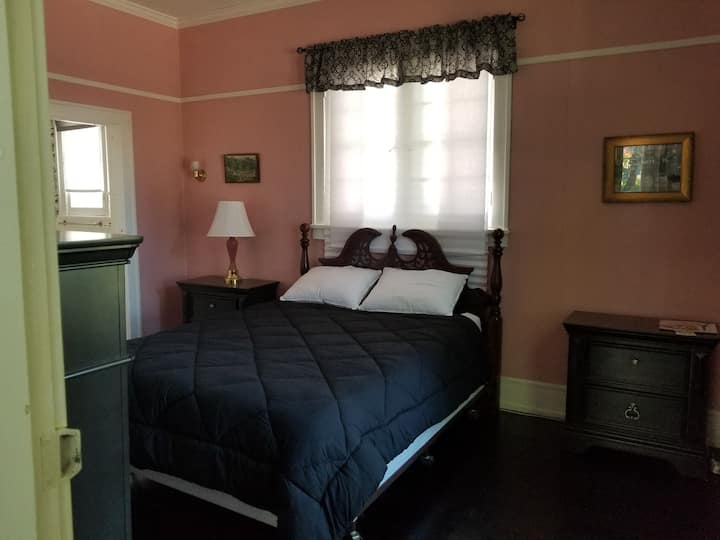 1920s room in a Bed & Breakfast / Inn