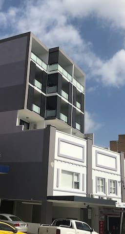 全新高层豪華公寓