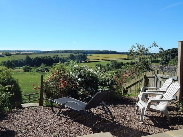 Garden Bank, lovely views, walks, wifi