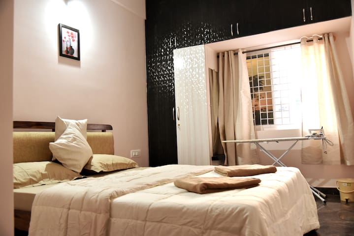 Mojo Living -2BHK S02 Furnished Apt near Manyatha