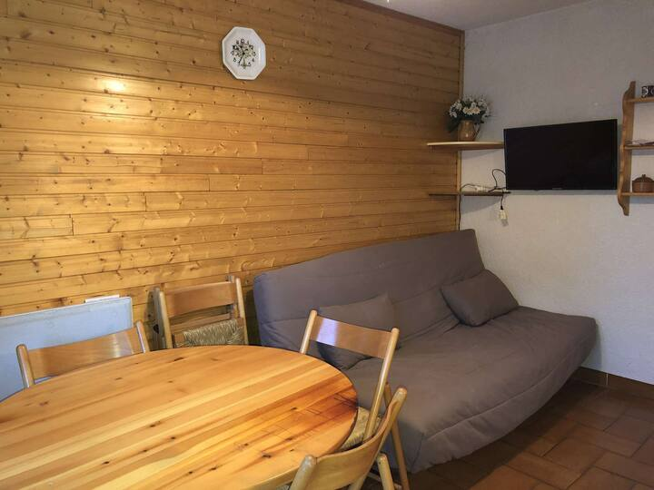 Studio cabin in the resort center at the foot of the Risoul slopes