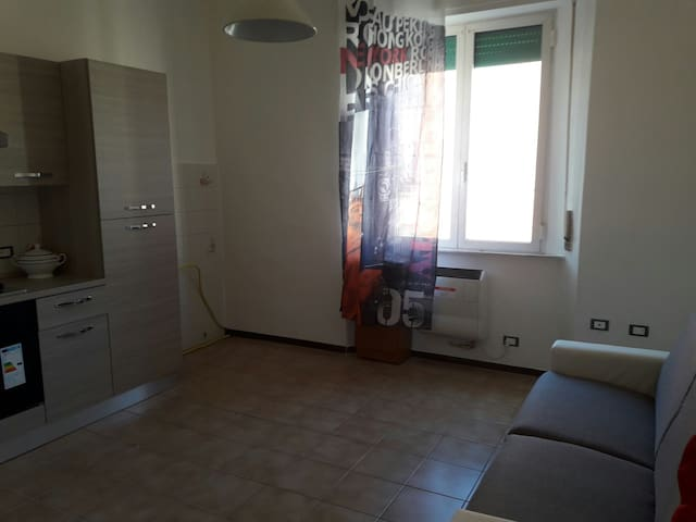 Bright & comfy two-room flat near the sea & more! - Piombino, Toscana, IT - Departamento