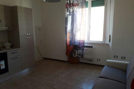 Accogliente bilocale vicino al mare - Piombino, Toscana, IT - Lägenhet
