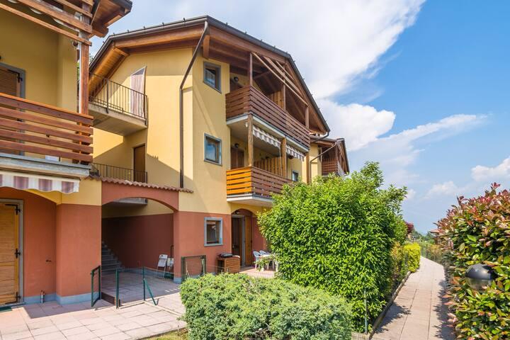 Appartement paisible avec piscine à Bianzano, Italie