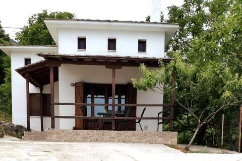 Villa Annoula