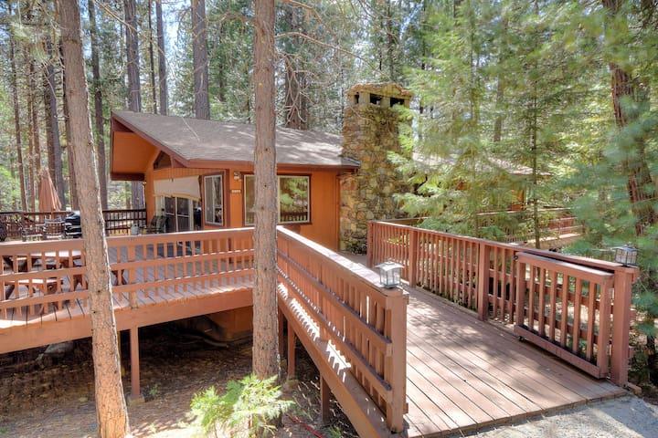 Yosemite's Papa Bear Cabin, wifi! - Wawona - Rumah
