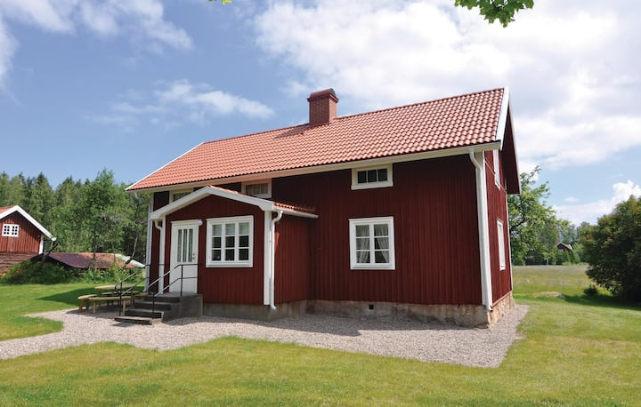 Stunning home in Finnerödja with WiFi and 2 Bedrooms