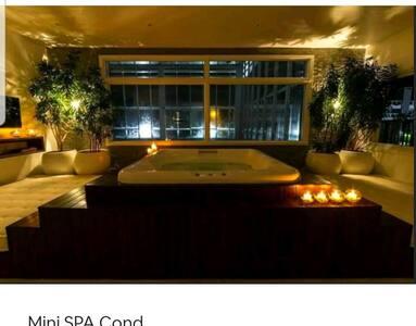 Maravilhoso loft Garden finamente mobiliado.
