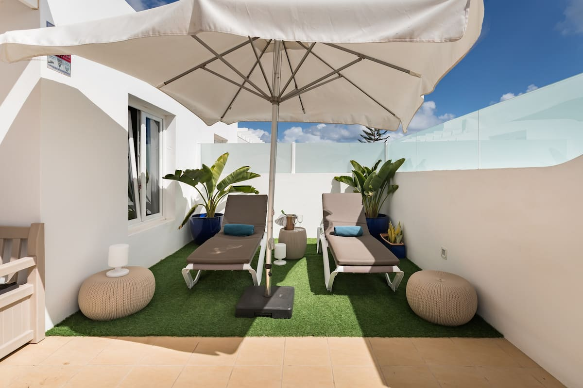 Haz vida al sol de Lanzarote en esta fantástica casa con gran terraza privada