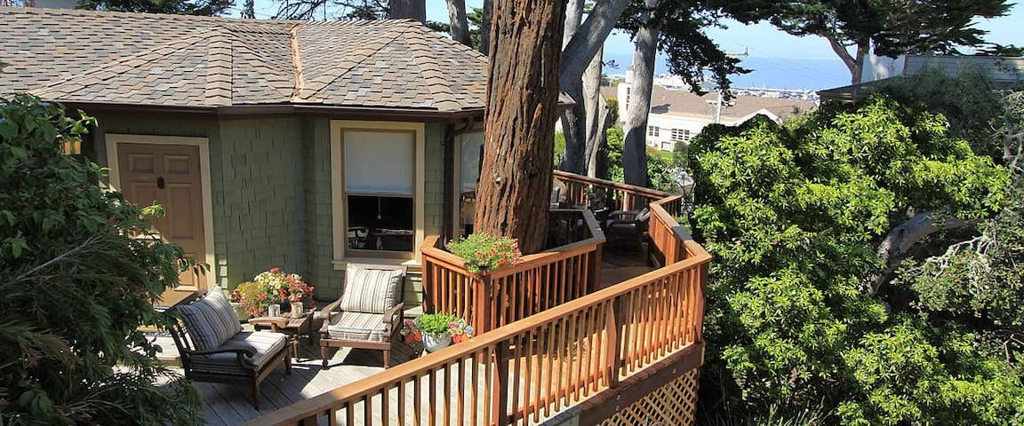 The Tumtum Tree Cottage at the Jabberwock Inn