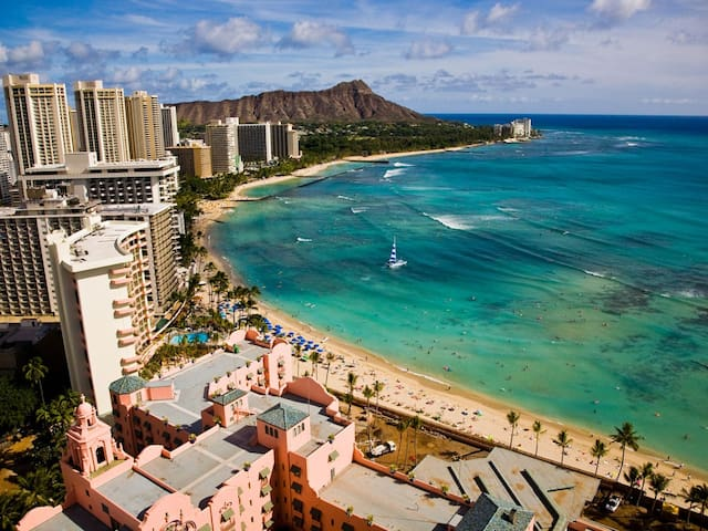 New Reno!! Direct Oceanfront @ Waikiki Beach Tower