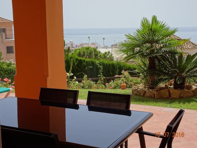 Lovely apartment close to beaches, marinas & golf - Manilva - Daire