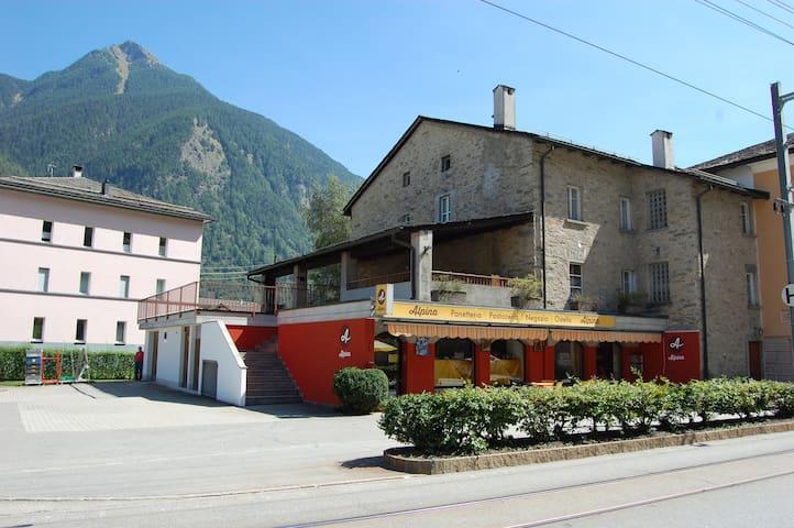 Ostello Alpina, Le Prese (Valposchiavo)