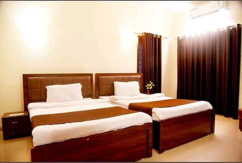 Cozy AC Room With Airport Transfer