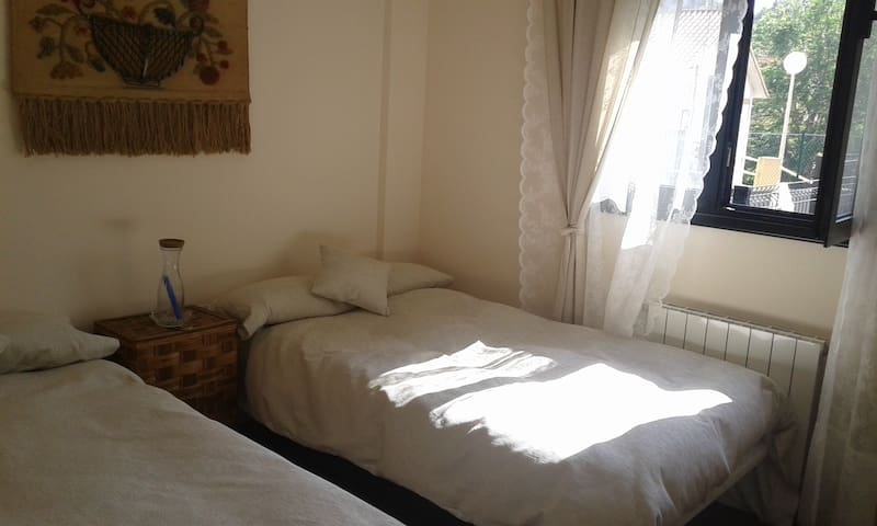 apartamento coqueto 1hab - Comillas - Byt