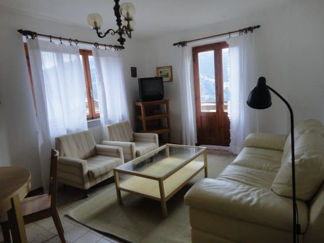 Appartamento Oga luminoso, bella vista  su Bormio