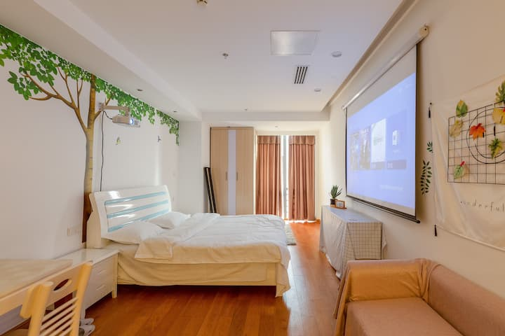 【warmest home】百寸投影 落地窗 地铁口 拙政园  苏州博物馆 山塘街 火车站 高级公寓