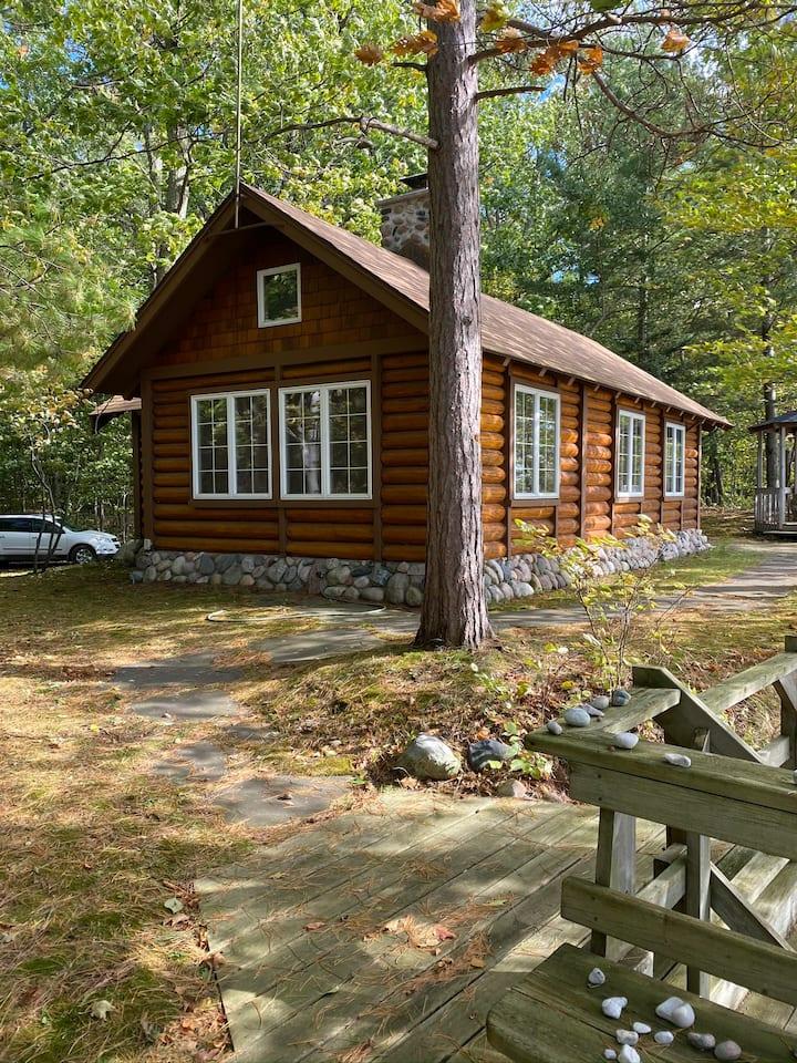 Romantic Lake Michigan Cabin - Pet Friendly