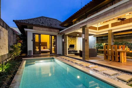 Romantic 1BR Villa - Private Pool - Seminyak