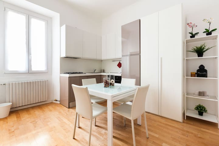 ✿Happy Apartment✿ in Porta Romana | Stylish & Cozy